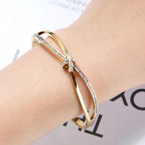 18k Diamond CZ Criss Cross Knot Bracelet